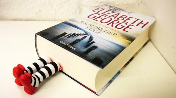 Perfekt Do It Yourself: Fimo Lesezeichen Mit Füßen, Die Aus Dem Buch Ragen