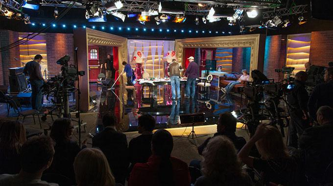 Foto eines TV-Studios aus Zuschauerperspektive